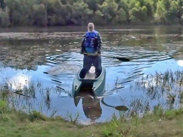 big and heavy paddler in W700 kayak